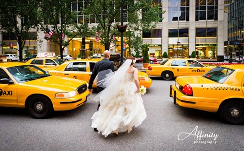 affinity-photography-park-ave-bride-groom-cabs