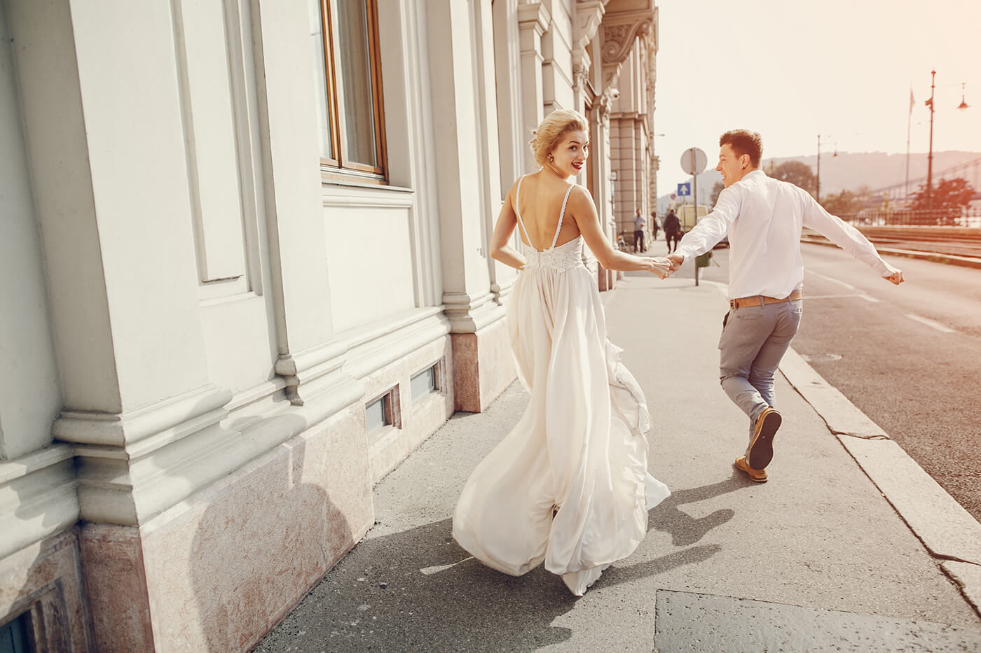15 Modern Must Have Wedding Poses For Brides And Grooms Printique An Adorama Company