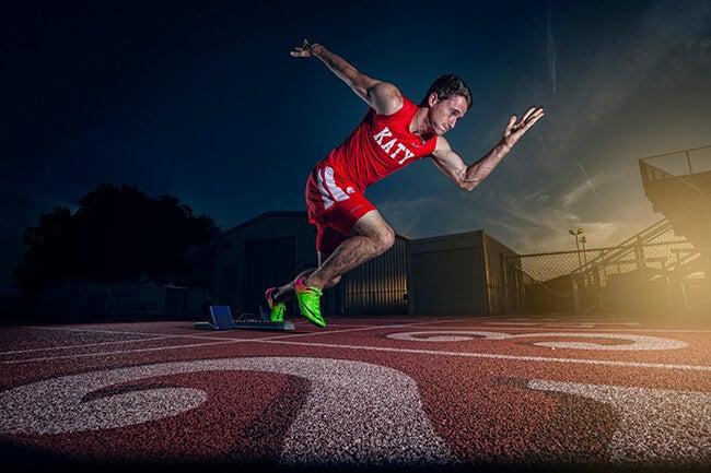 runner at start of track