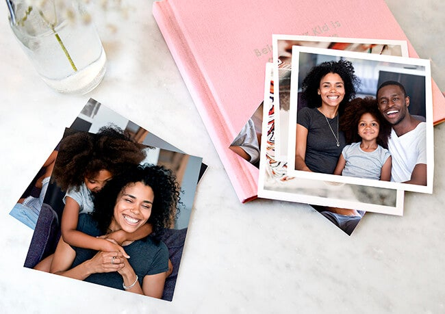 photo prints of happy family by printique