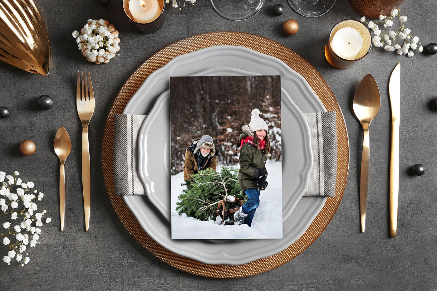 holiday place setting with a photo by printique on the plate