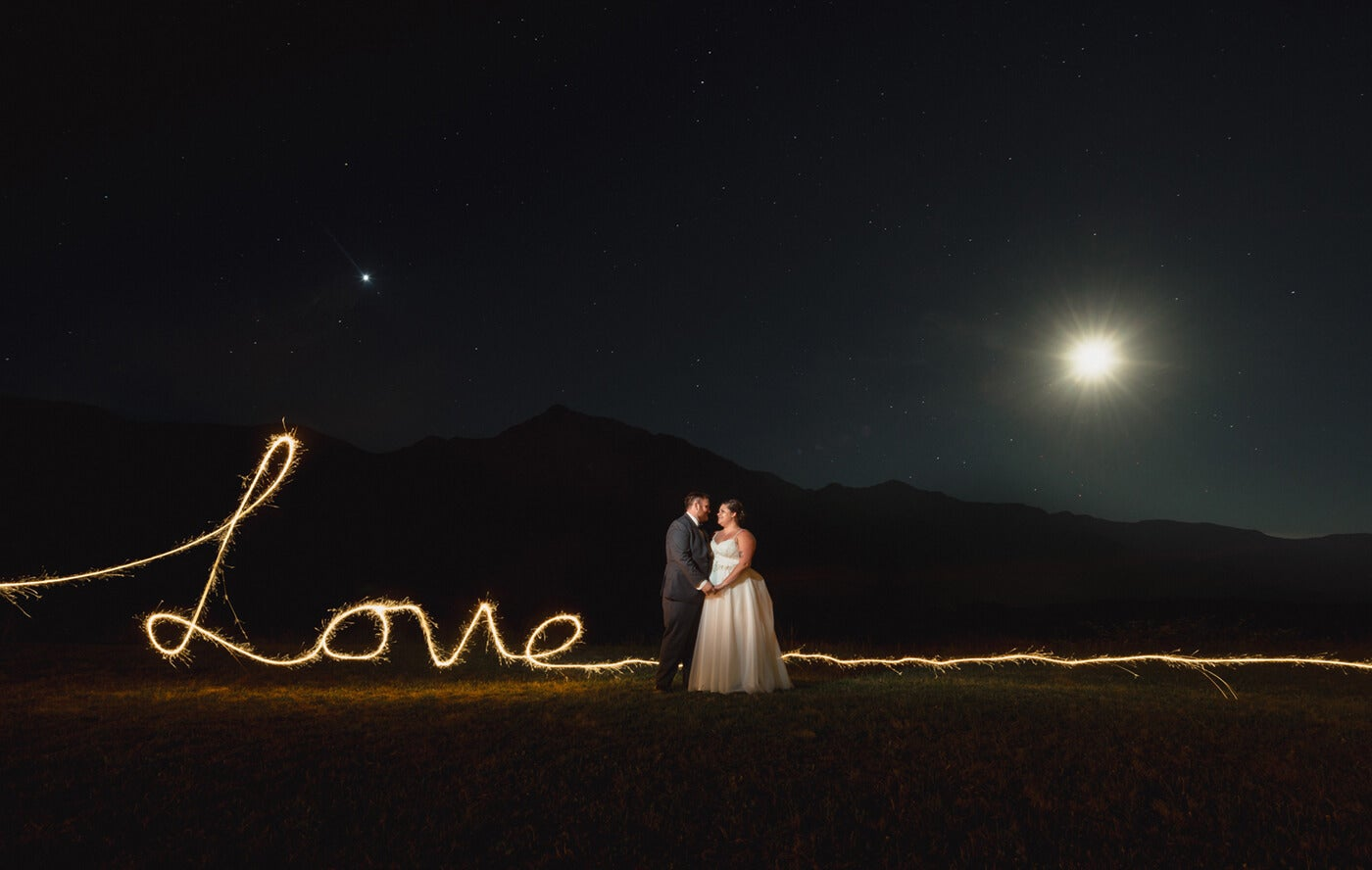sparkler photography and wedding couple