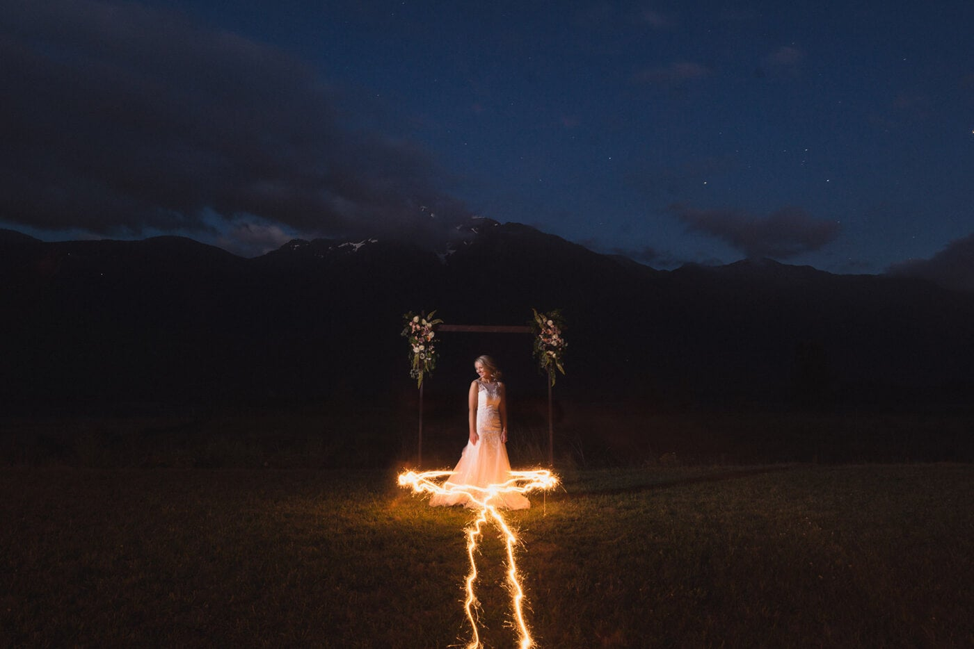 sparkler photography and bride